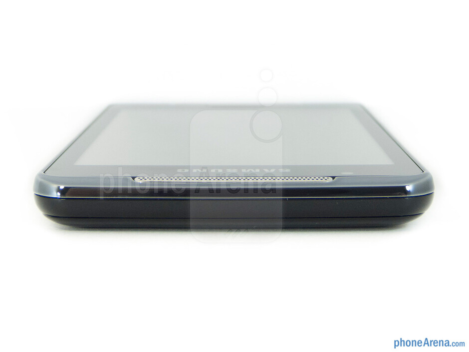 Top side - The sides of the Samsung Galaxy Player 4.2 - Samsung Galaxy Player 4.2 Review
