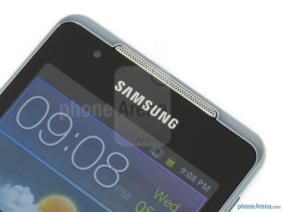 Front cam and speaker - Samsung Galaxy Player 4.2 Review
