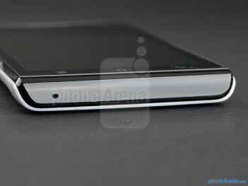 Bottom - The sides of the Huawei Ascend P1 - Huawei Ascend P1 Review