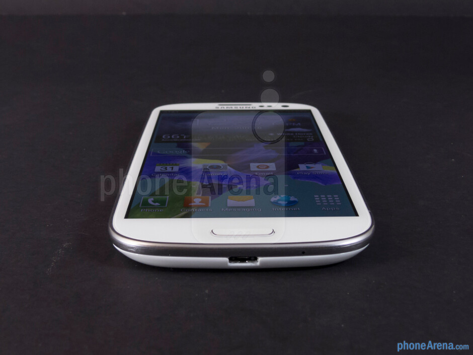 Viewing angles - Samsung Galaxy S III Review (AT&T, Verizon, T-Mobile, Sprint)