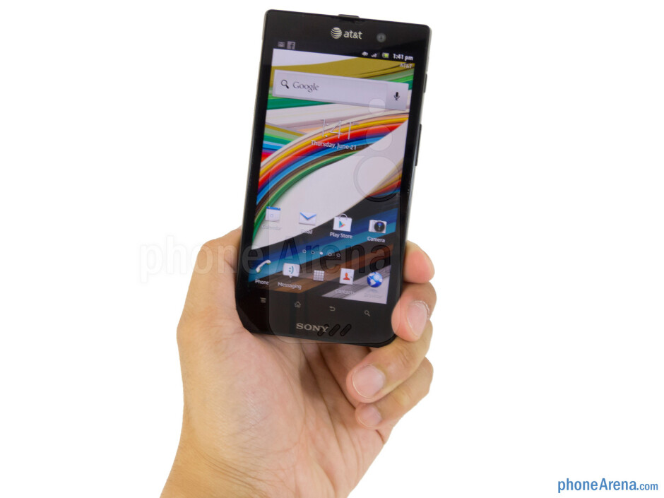 Sony Xperia ion employs the distinctive Xperia design characteristics - Sony Xperia ion Review