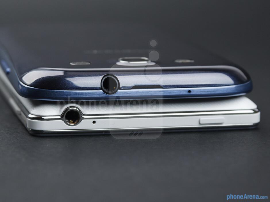Top - The LG Optimus 4X HD (bottom) and the Samsung Galaxy S III (top) - LG Optimus 4X HD vs Samsung Galaxy S III