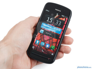 Function is before form with the design of the Nokia 808 PureView - Nokia 808 PureView Review