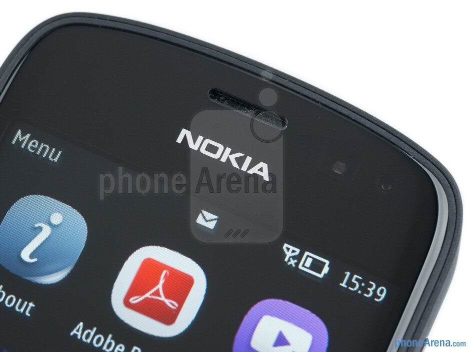 The front side - Nokia 808 PureView Review