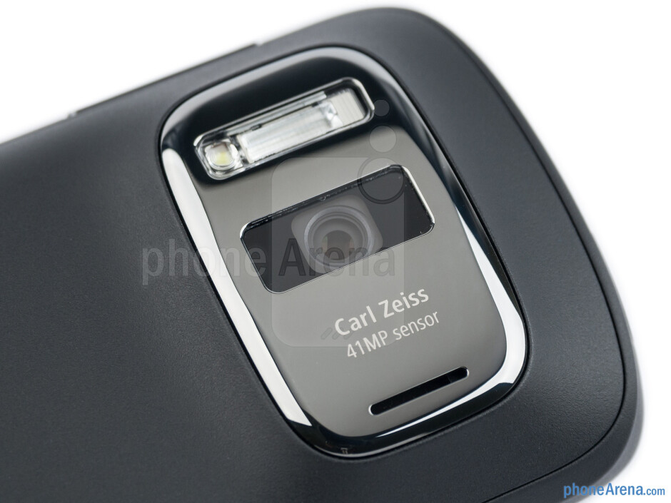 The monstrous 41MP PureView camera - Nokia 808 PureView Review