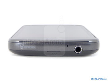 3.5mm jack (top) - The sides of the Samsung Exhilarate - Samsung Exhilarate Review