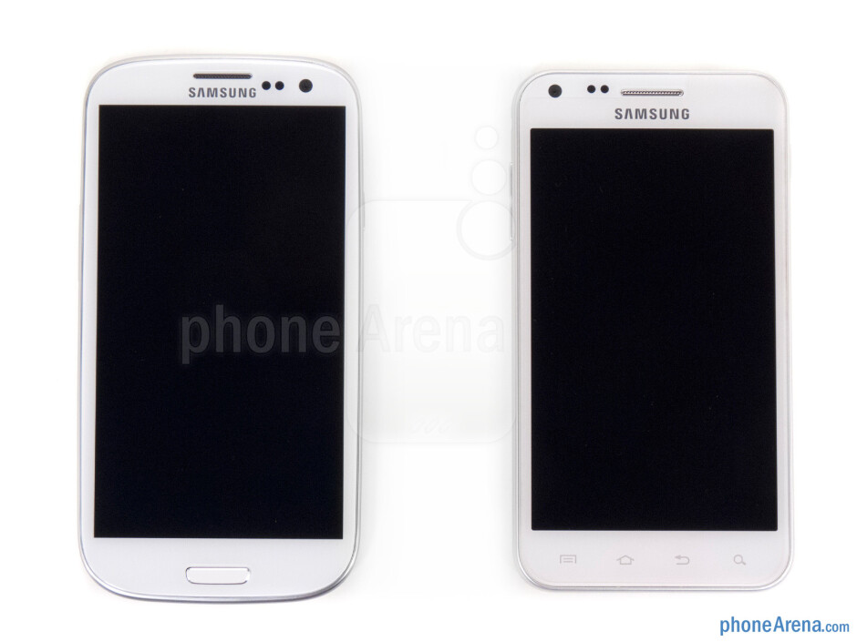 The Samsung Galaxy S III (left) and the Samsung Galaxy S II (right) - Samsung Galaxy S III vs HTC EVO 4G LTE