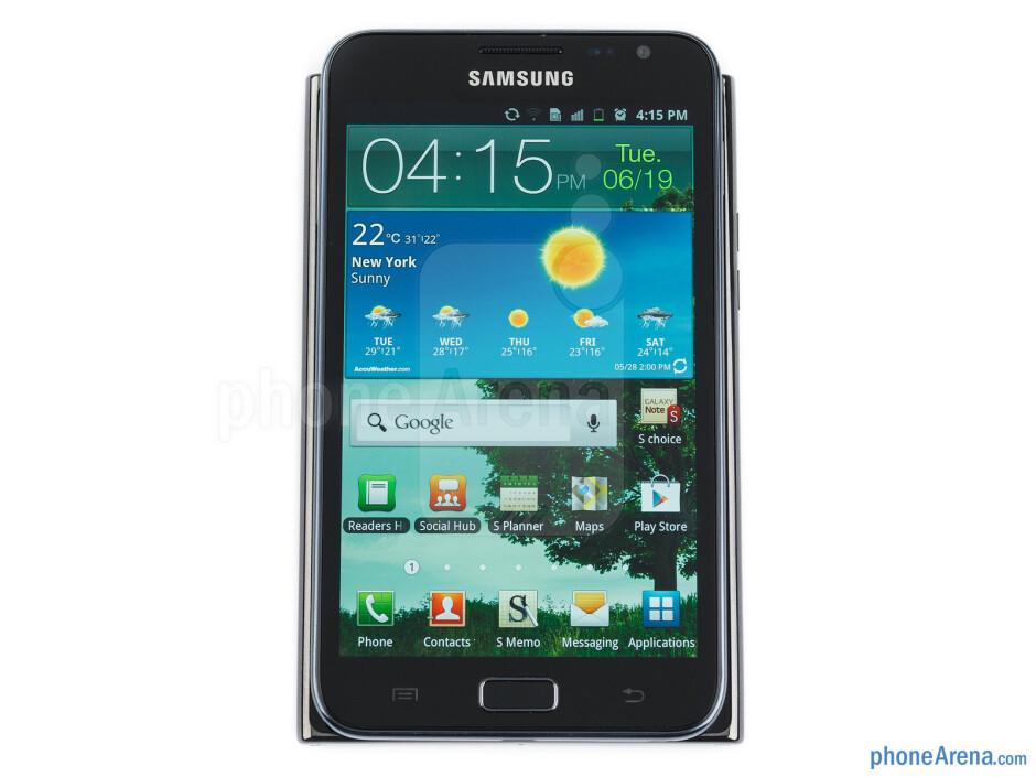 The LG Optimus Vu (left, bottom) and the Samsung Galaxy Note (right, top) - LG Optimus Vu Review