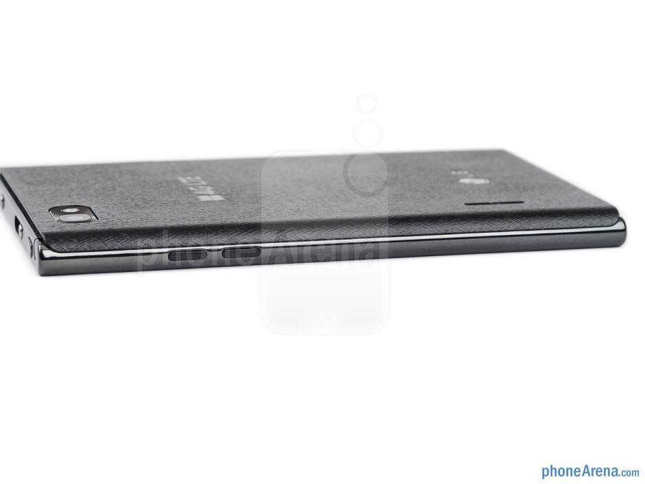 Right - The sides of the LG Optimus Vu - LG Optimus Vu Review