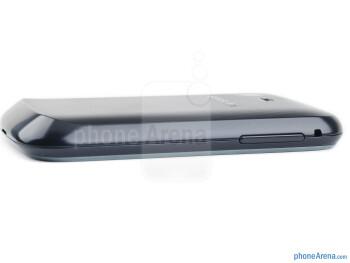 Volume rocker (left) - The sides of the Samsung Galaxy Pocket - Samsung Galaxy Pocket Review