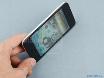 The Meizu MX resembles a somewhat bigger iPhone - Meizu MX Review