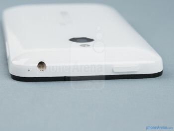 Power key and 3.5mm jack (top) - The sides of the Meizu MX - Meizu MX Review