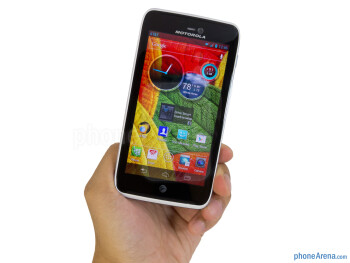 "The Motorola ATRIX HD feels too unwieldy in the hand because of the larger bezels surrounding its 4.5"" display - Motorola ATRIX HD Review"