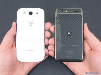 Both theSamsung Galaxy S III (left) and the Motorola DROID RAZR MAXX (right) felt comfortable in our hand - Samsung Galaxy S III vs Motorola DROID RAZR MAXX
