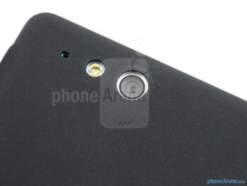 Camera - The sides of the Sony Xperia go - Sony Xperia go Review