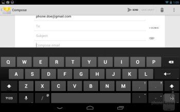 The virtual keyboard of the Google Nexus 7 - Google Nexus 7 vs Amazon Kindle Fire