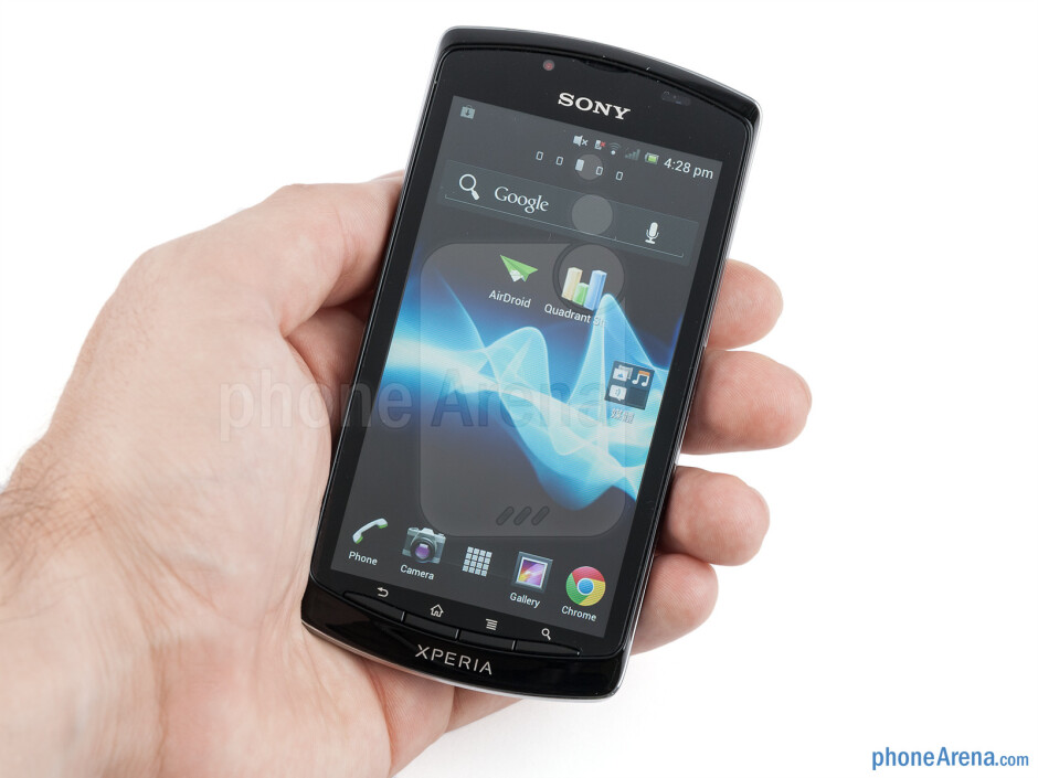 The Sony Xperia neo L itself is the very embodiment of the cheap plasticky feel in a handset - Sony Xperia neo L Review