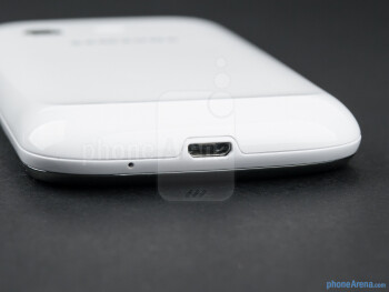 microUSB port (bottom) - The sides of the Samsung Galaxy Chat - Samsung Galaxy Chat Review