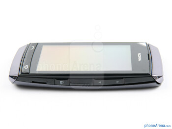 Volume and lock keys - The sides of the Nokia Asha 305 - Nokia Asha 305 Review