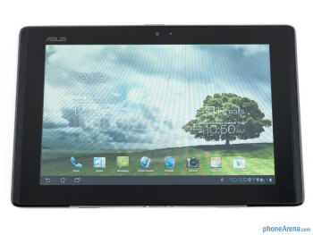 The PadFone Station features a 10.1-inch, 1280 x 800-pixel IPS display - Asus PadFone Review