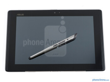 The Pen Bluetooth stylus doubles as a microphone/earpiece - Asus PadFone Review