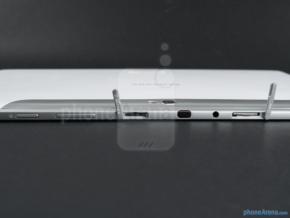 Top edge - The sides of the Samsung Galaxy Note 10.1 - Samsung Galaxy Note 10.1 Preview