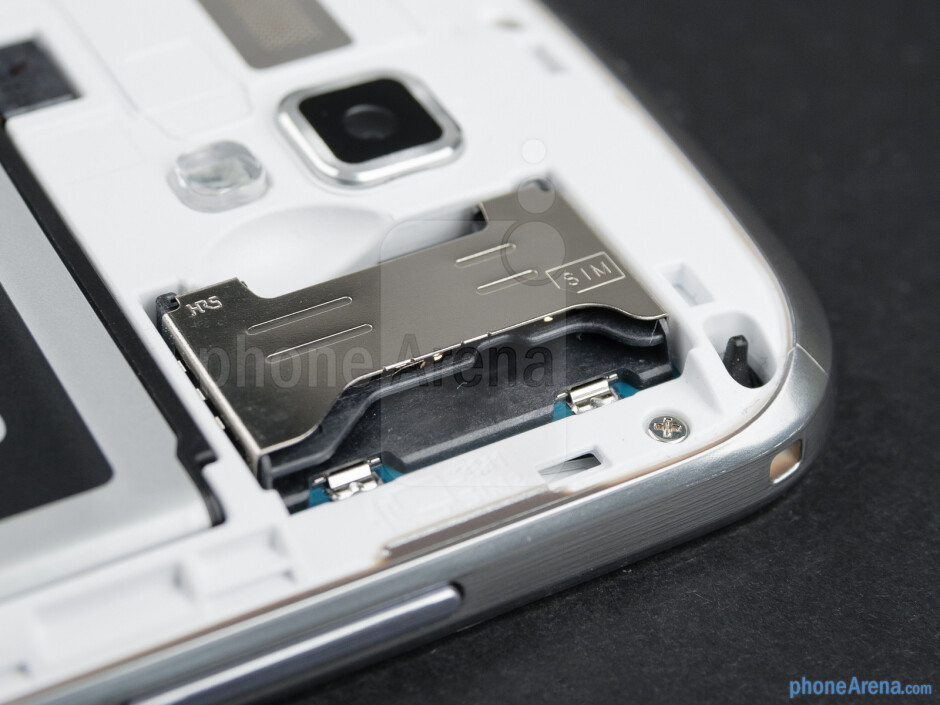 The SIM card slots - Plastic, lots and lots of plastic – that is what the Samsung Galaxy S Duos is made out of - Samsung Galaxy S Duos Preview