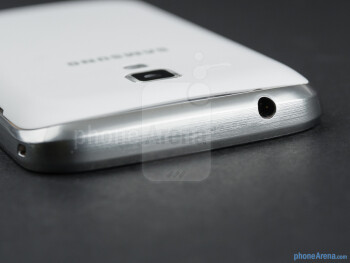 3.5mm audio jack on the top - Samsung Galaxy S Duos Preview
