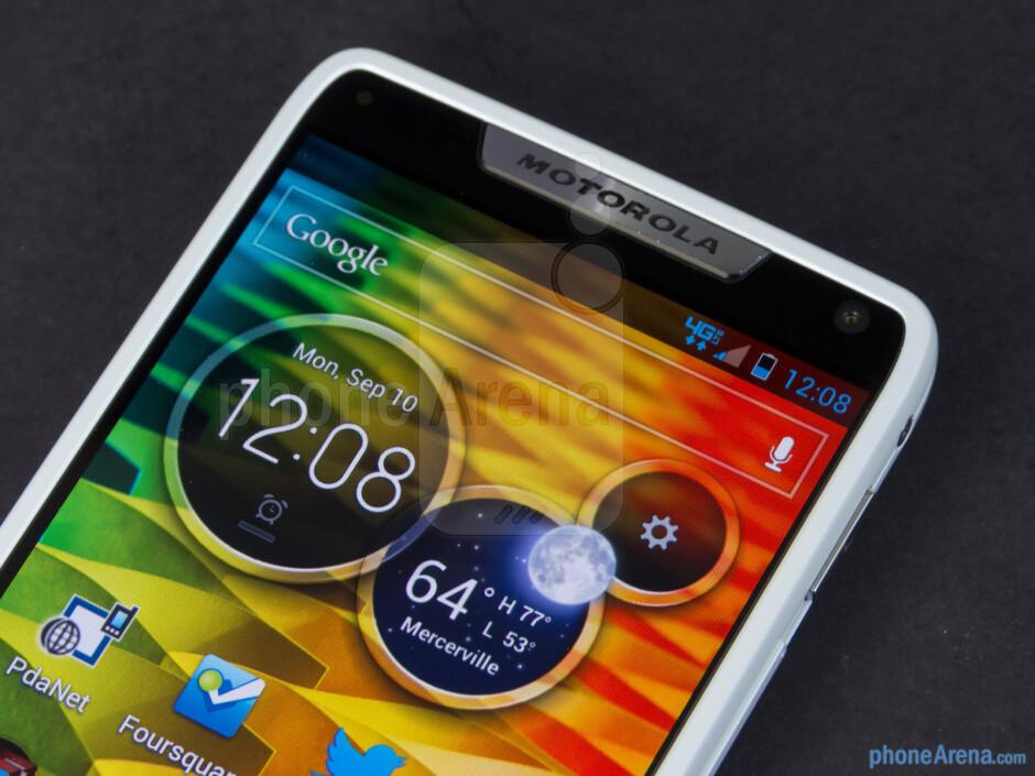 Front-facing camera - Motorola DROID RAZR M Review