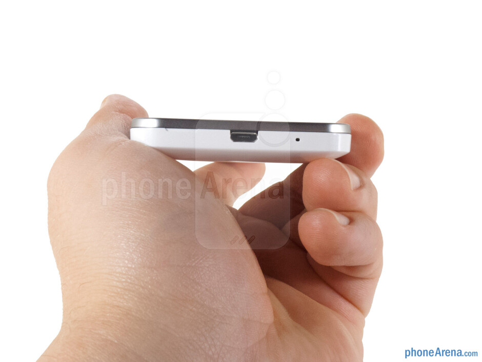 microUSB port (bottom) - The sides of the Huawei Mercury Ice - Huawei Mercury Ice Review