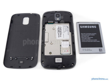 Battery compartment - Samsung Galaxy S Relay 4G Review