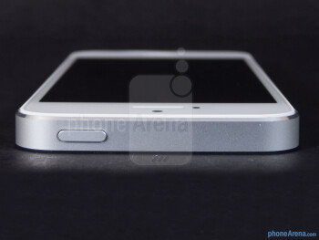 Top side - Apple iPhone 5 Review