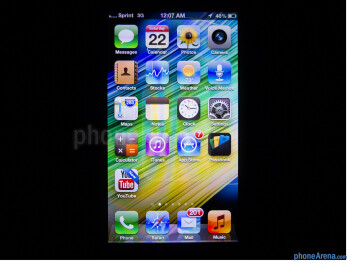 Viewing the iPhone 5's display from different angles - Apple iPhone 5 Review