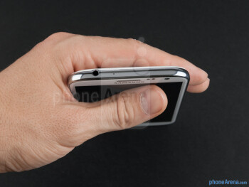 The Note II is about the same weight as its predecessor, but is not as wide, making it a tad less unwieldy in the hand - Samsung Galaxy Note II Review