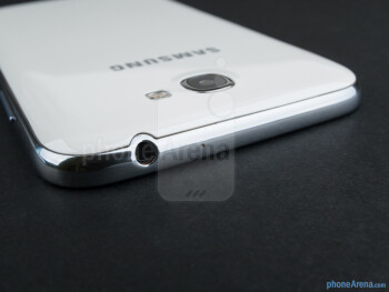 Top - The sides of the Samsung Galaxy Note II - Samsung Galaxy Note II Review