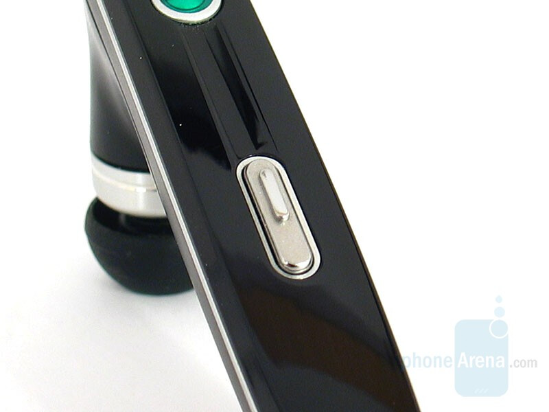 Calling key - Sony Ericsson HBH-IV835 Bluetooth Headset Review