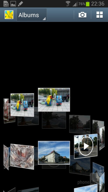 There is a choice of 3D views in the Gallery app on the Galaxy Note II - Samsung Galaxy Note II vs Galaxy Note