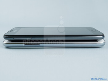 The sides of the Samsung Galaxy Note II (bottom) and the Samsung Galaxy Note (top) - Samsung Galaxy Note II vs Galaxy Note