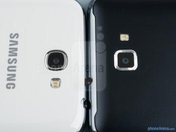 Rear cameras - The Samsung Galaxy Note II (left) and the Samsung Galaxy Note (right) - Samsung Galaxy Note II vs Galaxy Note