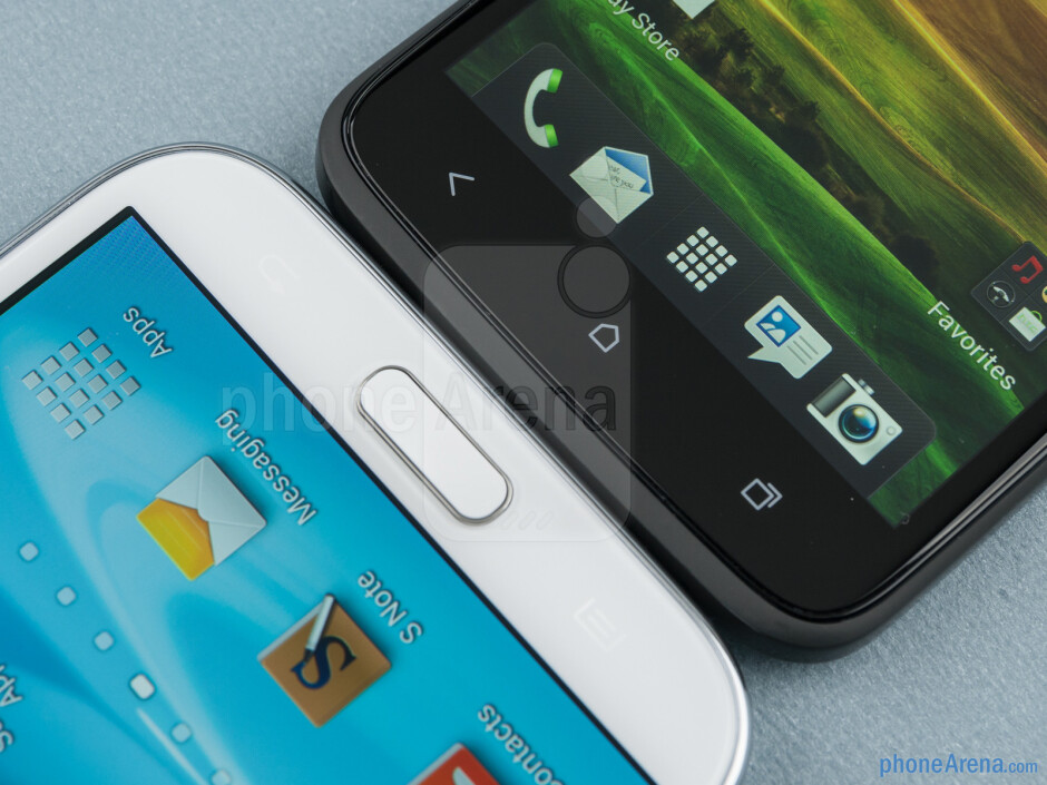 Android keys - The Samsung Galaxy Note II (left) and the HTC One X (right) - Samsung Galaxy Note II vs HTC One X