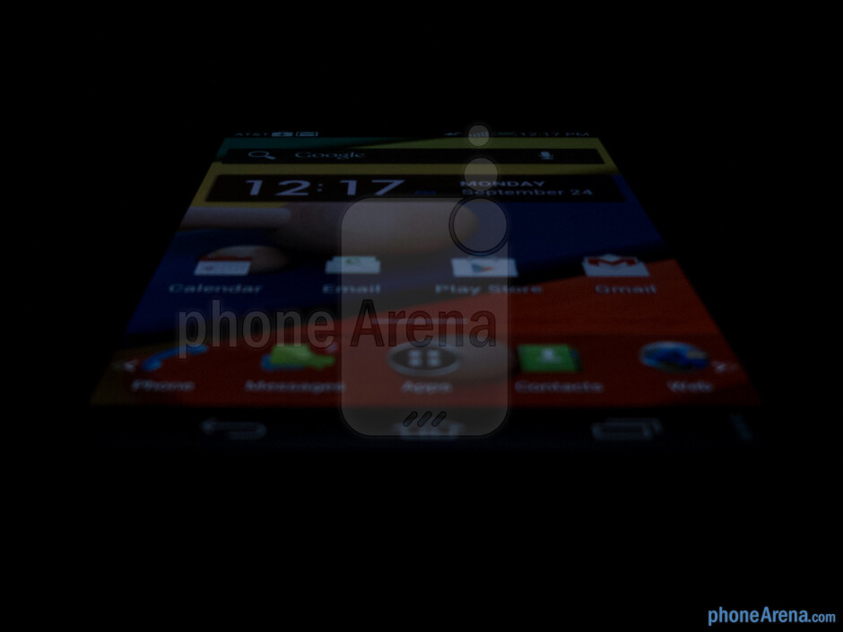 Viewing angles - Pantech Flex Review