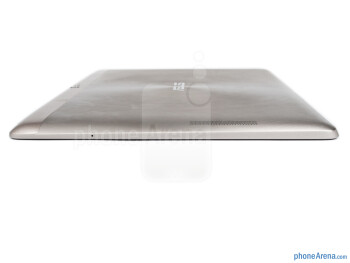 Right edge - The sides of the Asus Transformer Pad Infinity - Asus Transformer Pad Infinity Review