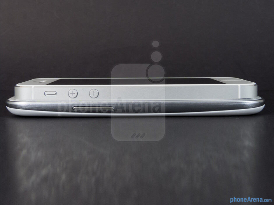 Left - The sides of the Apple iPhone 5 (left) and the Samsung Galaxy S III (right) - Apple iPhone 5 vs Samsung Galaxy S III