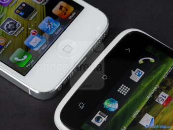 The Apple iPhone 5 (left) and the HTC One X (right) - Apple iPhone 5 vs HTC One X