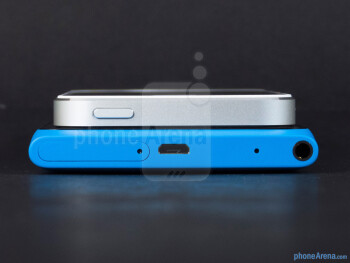 Top - The Apple iPhone 5 (top, left) and the Nokia Lumia 900 (bottom, right) - Apple iPhone 5 vs Nokia Lumia 900
