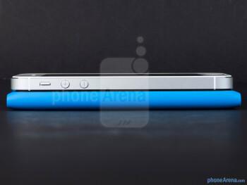 Left edges - The Apple iPhone 5 (top, left) and the Nokia Lumia 900 (bottom, right) - Apple iPhone 5 vs Nokia Lumia 900