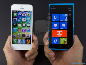 Apple iPhone 5 vs Nokia Lumia 900