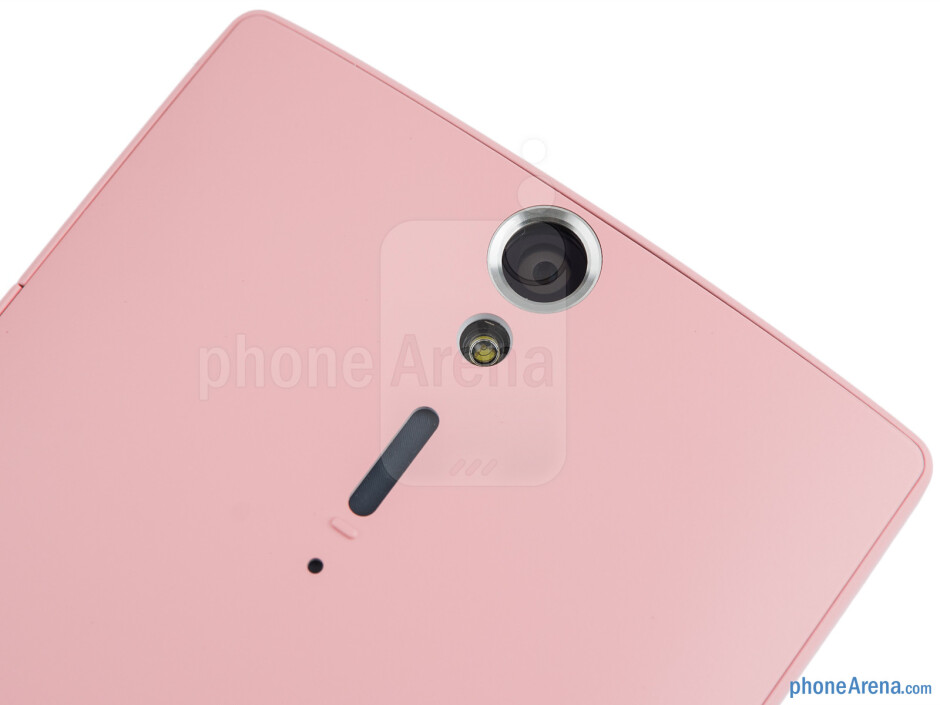 Rear camera - The sides of the Sony Xperia SL - Sony Xperia SL Review