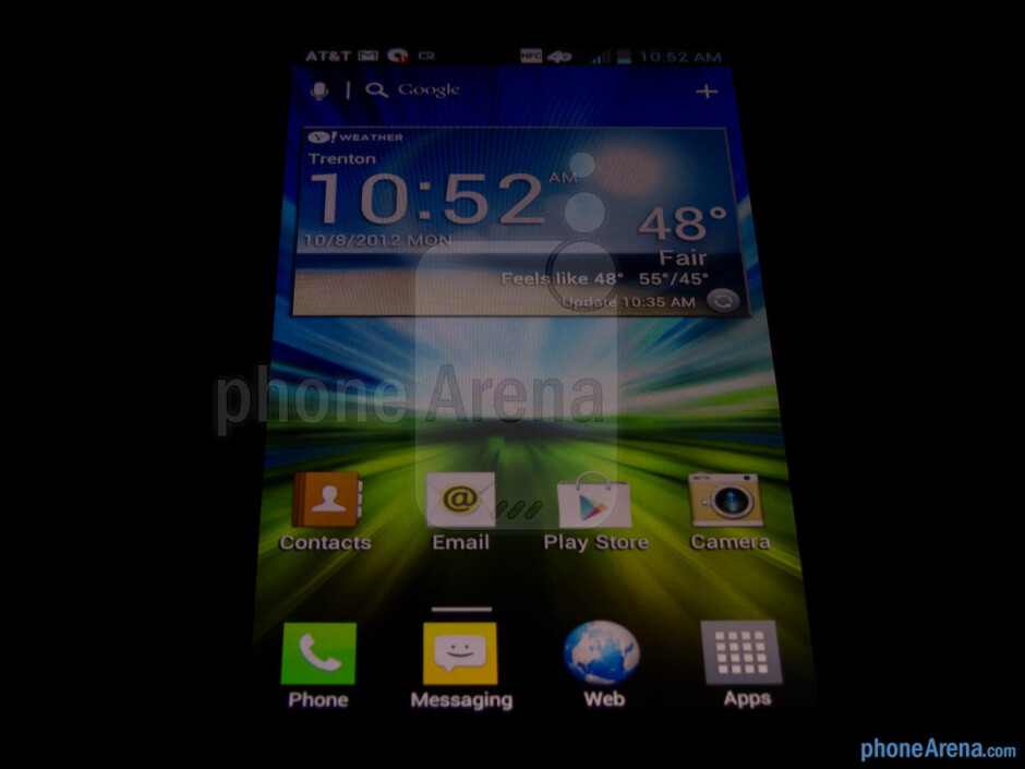 The display of LG Escape has poor viewing angles and washed out colors - LG Escape Review