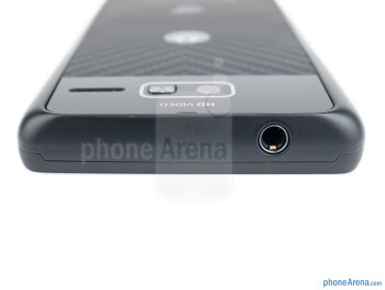 The 3.5mm headset jack is on the top - Motorola RAZR i Review